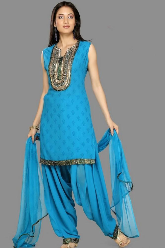 Latest-Shalwar-Kameez-design-in-Pakistani-fashions5 Latest Shalwar Kameez Designs for Girls-15 New Styles to try