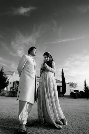 imran-khan-wedding-shoot-3 Pakistani Bride and Groom Photo Shoot-Pakistani Wedding Poses