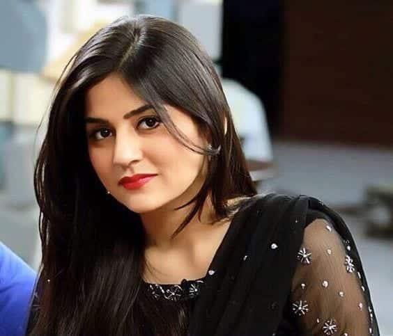sanam-baloch-pakistani-actress-with-and-without-makeup Pakistani Actresses without Makeup-Shocking Photos of Actresses with No Makeup