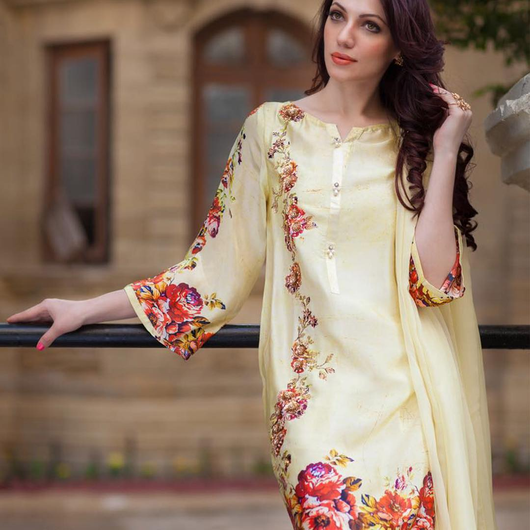 AghaNoor3 Latest kurti designs 2017 from top 15 kurti designers these days