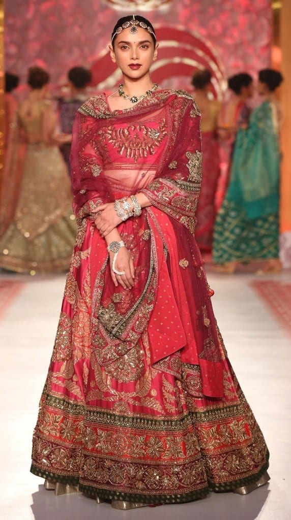Alia-Manish-Show4 Manish Malhotra Wedding Dresses 2017-Top 20 Bridal Dress by Manish Malhotra