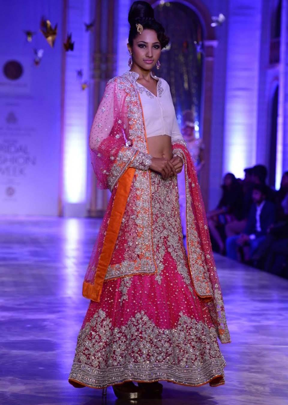 Latest-Indian-Designers-Barat-Dresses-for-Wedding-Brides-2016-2017-24 Manish Malhotra Wedding Dresses 2017-Top 20 Bridal Dress by Manish Malhotra