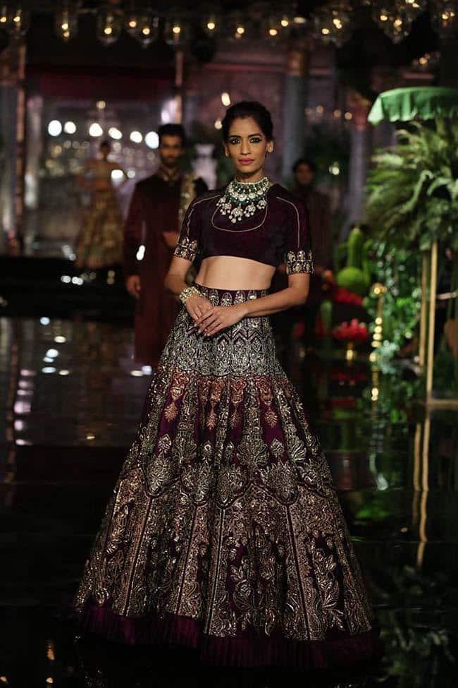 deepika-in-manish-malhotra-bridal-dress Manish Malhotra Wedding Dresses 2017-Top 20 Bridal Dress by Manish Malhotra
