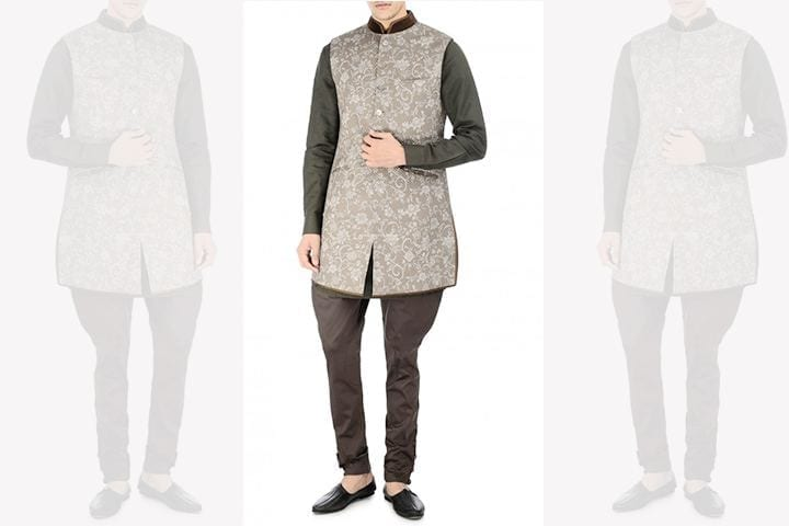 engagement-dress-for-indian-groom-by-tarun-tahiliani Engagement Outfits for Indian Men-20 Latest Ideas what to Wear on Engagement