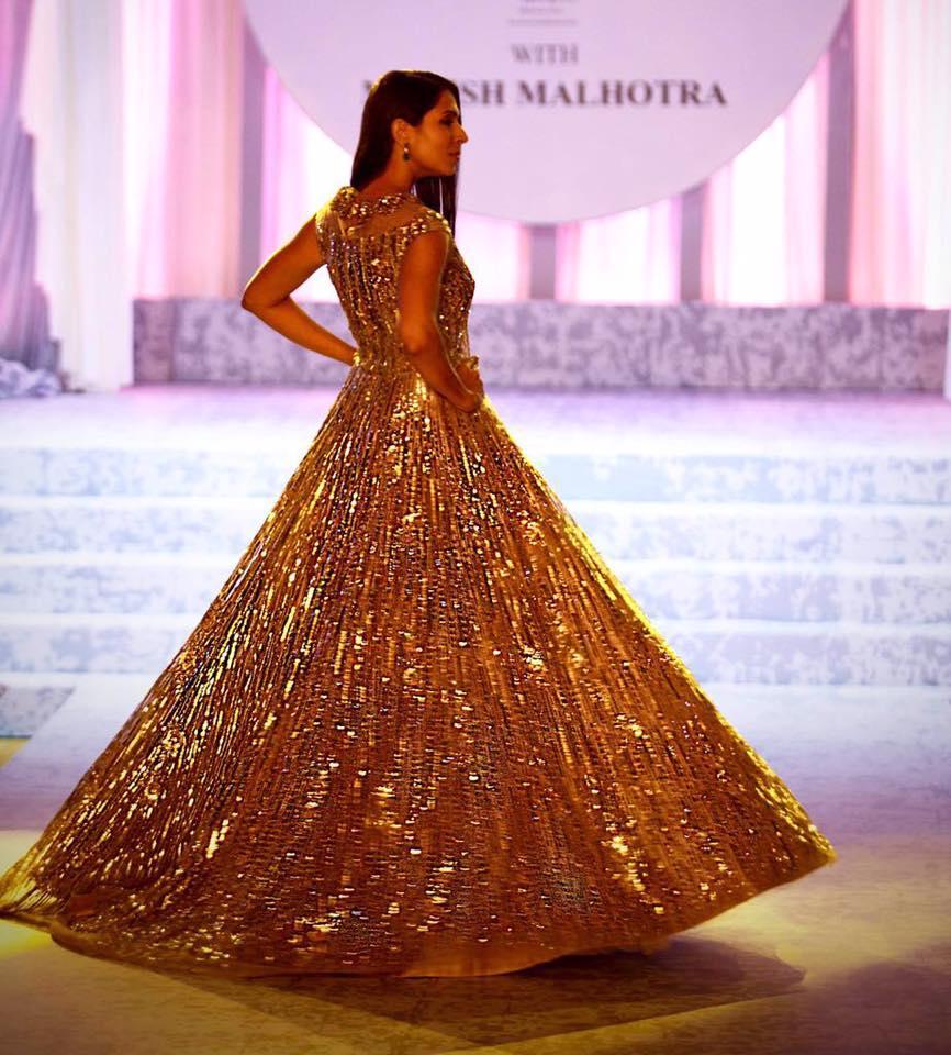 manish-malhotra-bridal-fashion-show-2017-g Manish Malhotra Wedding Dresses 2017-Top 20 Bridal Dress by Manish Malhotra