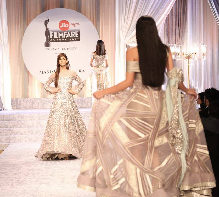 manish-malhotra-bridal-fashion-show-2017-h Manish Malhotra Wedding Dresses 2017-Top 20 Bridal Dress by Manish Malhotra
