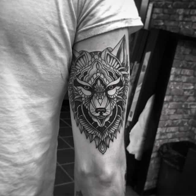 Sexy-Wolf-Tattoos Skinny Guys with Tattoos-18 Best Tattoo Designs for Slim Guys