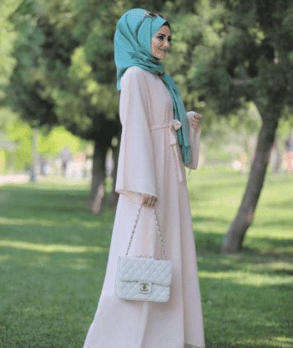Turkish-abaya-11-422x500 Turkish Abaya Fashion - 20 Ways to Wear Turkish Style Abaya