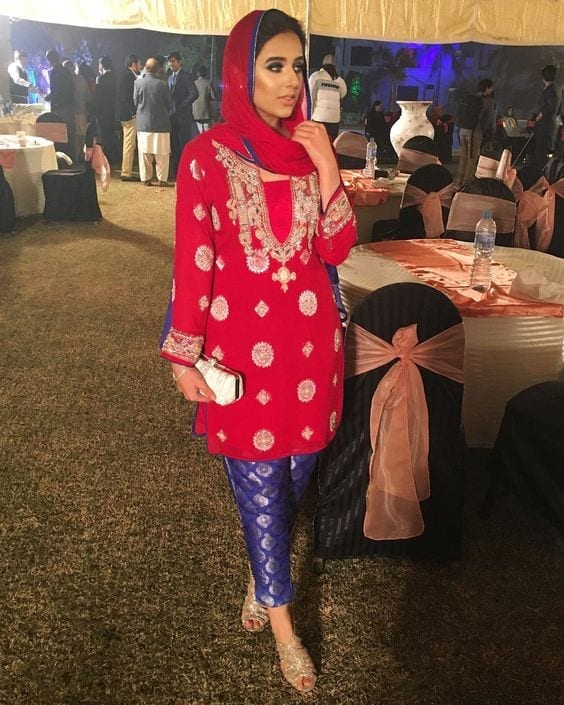 16-hijab-with-dubatta 30 Ways to Wear Hijab with Indian Ethnic Wear