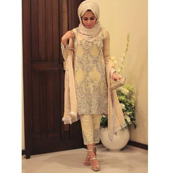6-Hijab-with-beige-suit 30 Ways to Wear Hijab with Indian Ethnic Wear