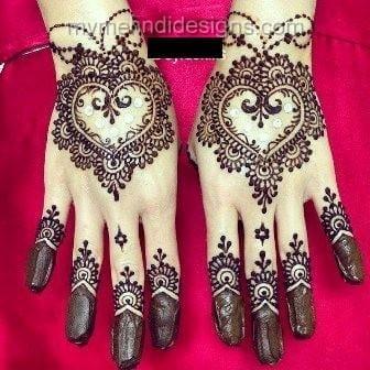 Astonished-mehndi-heart-shaped-pakistani_indian-mehndi Heart Shaped Mehndi Designs- 20 Simple Henna Heart Designs