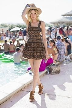 Chic-Short-Frock-with-Hat Funky Festival Outfits - 30 Funky Outfits for Girls to Wear