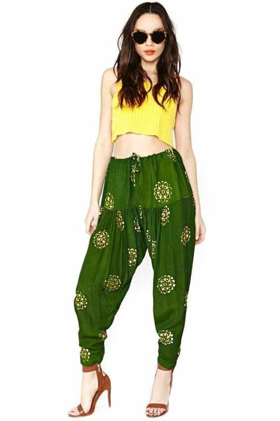 Crop-Top-Style-Patiala-Pants Classy Patiala Outfits-30 Amazing Ways to Wear Patiala Salwar