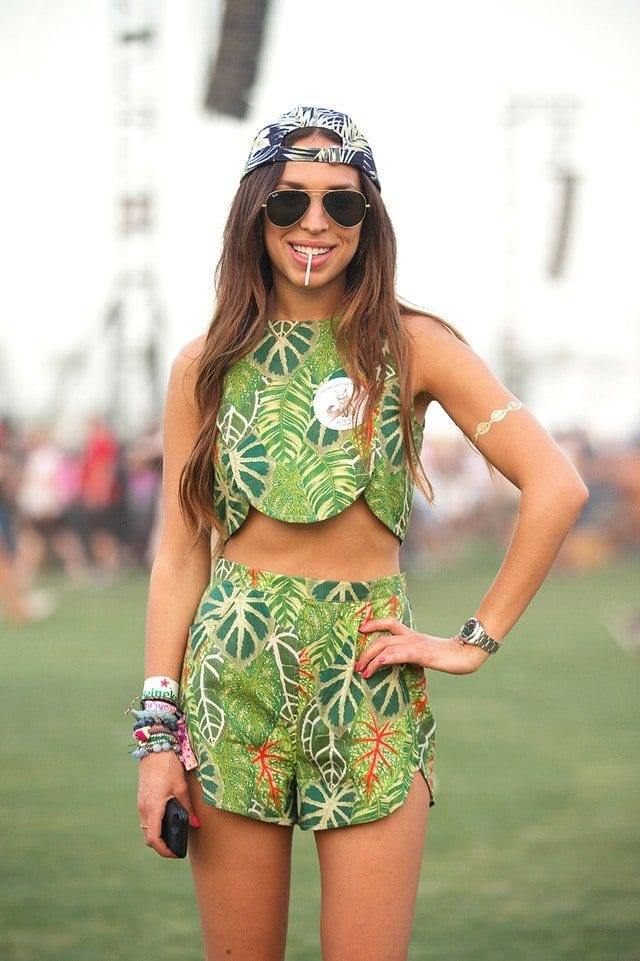 Leaf-Print-Outfit Funky Festival Outfits - 30 Funky Outfits for Girls to Wear