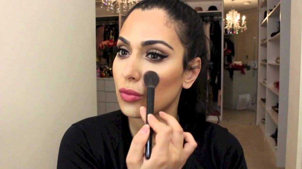 Top-10-middle-east-beauty-bloggers-to-follow-10-1024x576 Top 10 Middle Eastern Beauty Bloggers to Follow in 2017