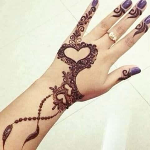 heart-10_thumb2 Heart Shaped Mehndi Designs- 20 Simple Henna Heart Designs