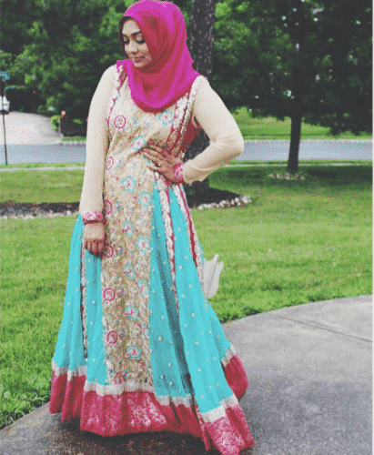 hijab-with-floral-gown-for-wedding-411x500 Hijab with Floral Outfits-20 Ways to Wear Hijab with Florals