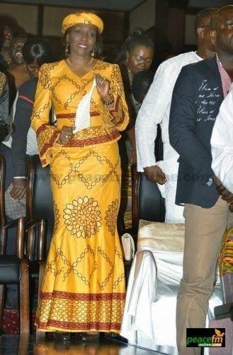 kaba-and-slit-peplum-3-329x500 Ghanaian Women Kaba and Slit- 20 Beautiful Kaba Outfit Ideas