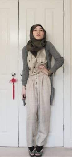 printed-jumpsuit-with-hijab-for-college-girls-231x500 Hijab with Jumpsuits - 16 Ways to Wear Jumpsuit with Hijab