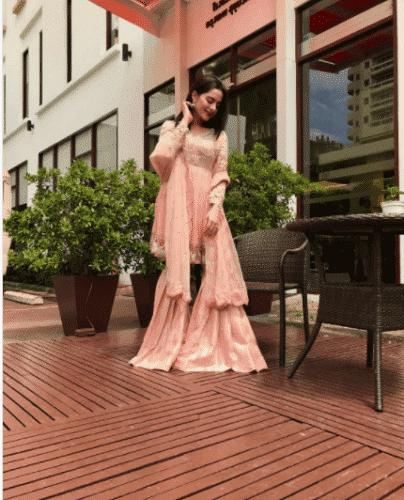 designer-gharara-pants-outfit-404x500 Gharara Pant Outfits-20 Beautiful Outfits with Gharara Pants