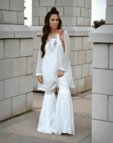 monochrome-gharara-pants-398x500 Gharara Pant Outfits-20 Beautiful Outfits with Gharara Pants