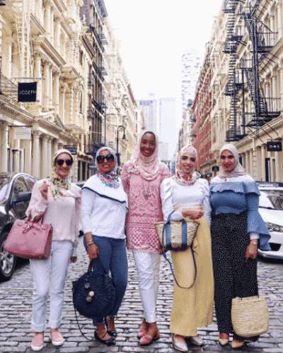 travelling-outfits-for-hijabis-400x500 Travelling in Hijab-Top 20 Travelling Tips for Stylish Hijabis