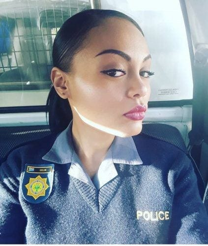 beautiful-polize-woman-force-423x500 Top 10 Most Attractive Women Police Forces in World