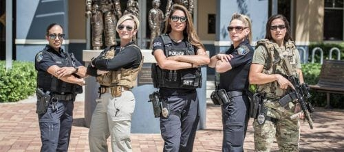 beautiful-woman-police-officers-500x222 Top 10 Most Attractive Women Police Forces in World