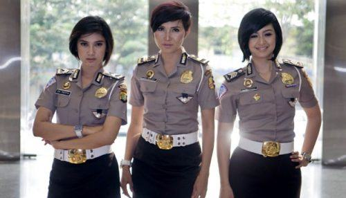 indonesian-police-officers-most-beautiful-in-world-500x286 Top 10 Most Attractive Women Police Forces in World