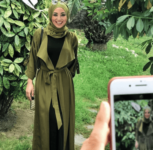 how-to-wear-hijab-with-gowns-500x488 How to Wear Hijab with Gowns ? 20 Modest Ways to Try