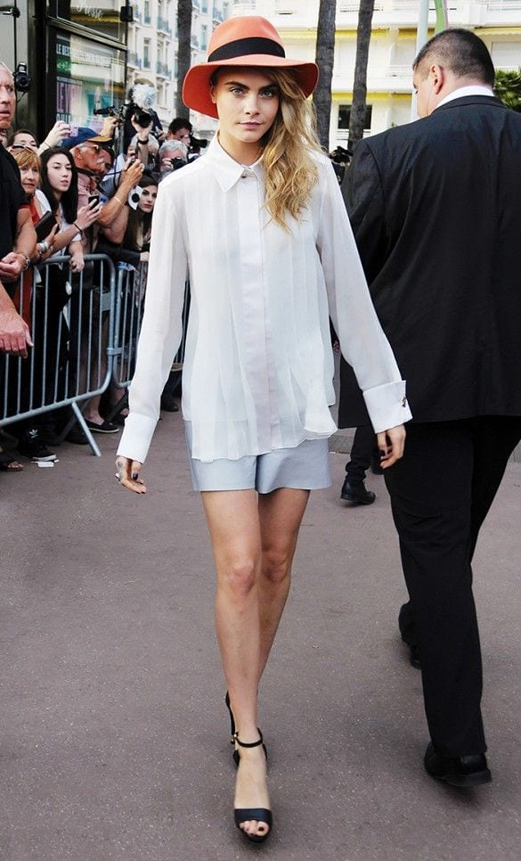 914aa1a0b9e61b17630c2d5f78d0c4ee 25 Most Stylish Cara Delevingne Summer Outfits This Year