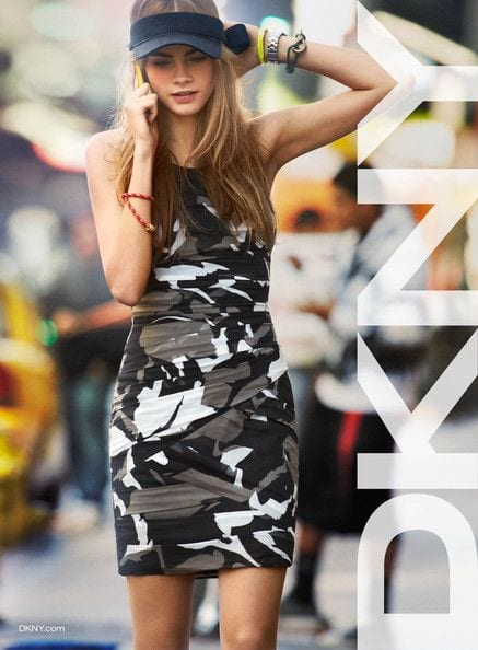 be087484c6e5d82436a7fe33d690faba 25 Most Stylish Cara Delevingne Summer Outfits This Year