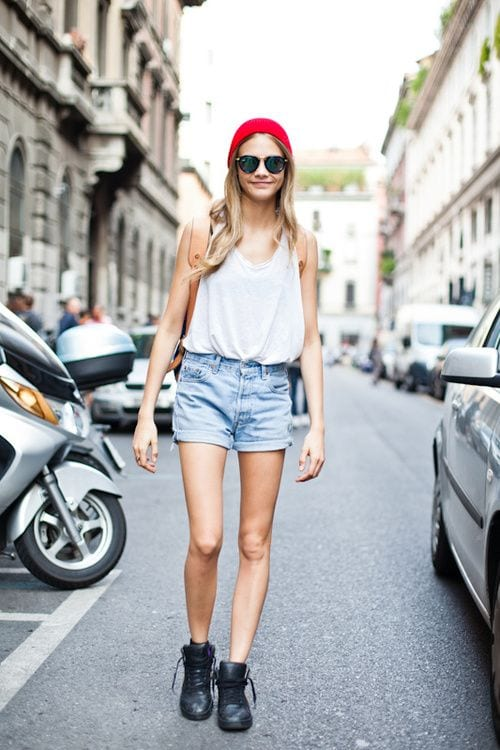 c857782158a9c5263fe1a73f6caeccbc 25 Most Stylish Cara Delevingne Summer Outfits This Year