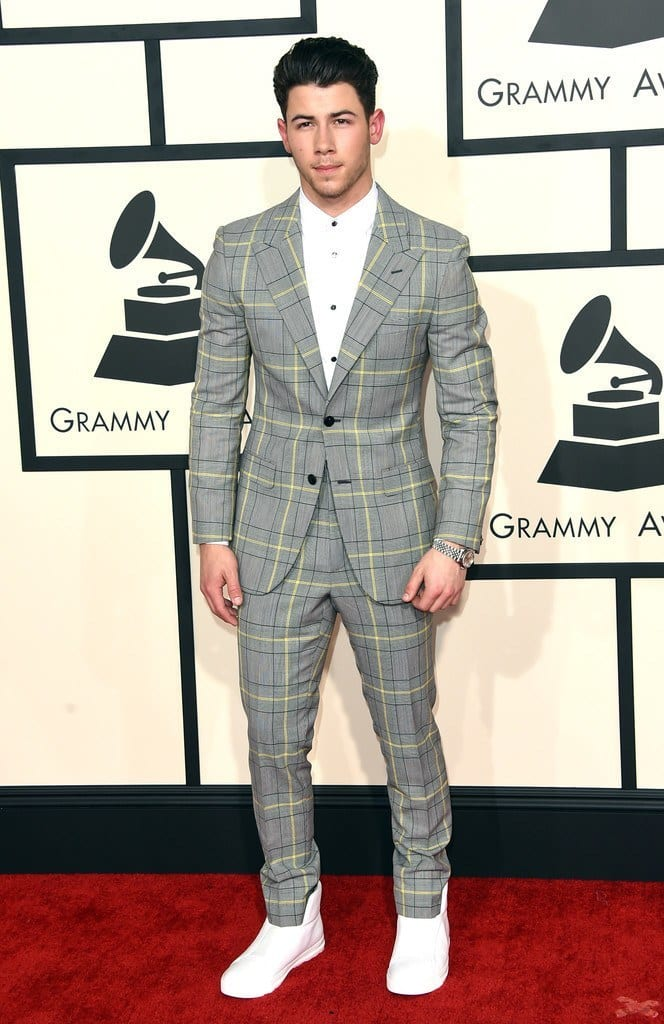 nick-664x1024 Top 30 Clothing Brands That All Celebrities Love To Wear