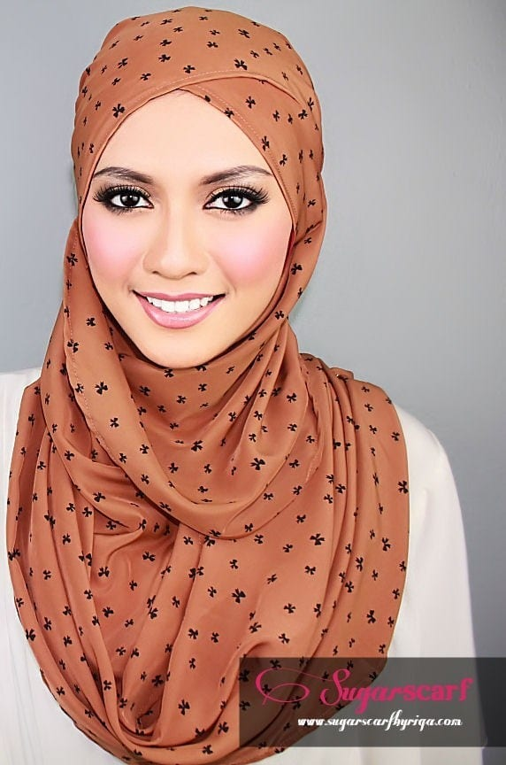 19015a2925cf71332fc95a94249ee587 17 Cute Hijab Styles for Round Face With Simple Tutorials