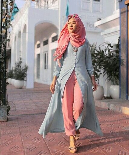 718637e89fd9d41f347ee1cbf2f26e23 15 Latest Hijab Style Fashion Ideas to Follow These Days