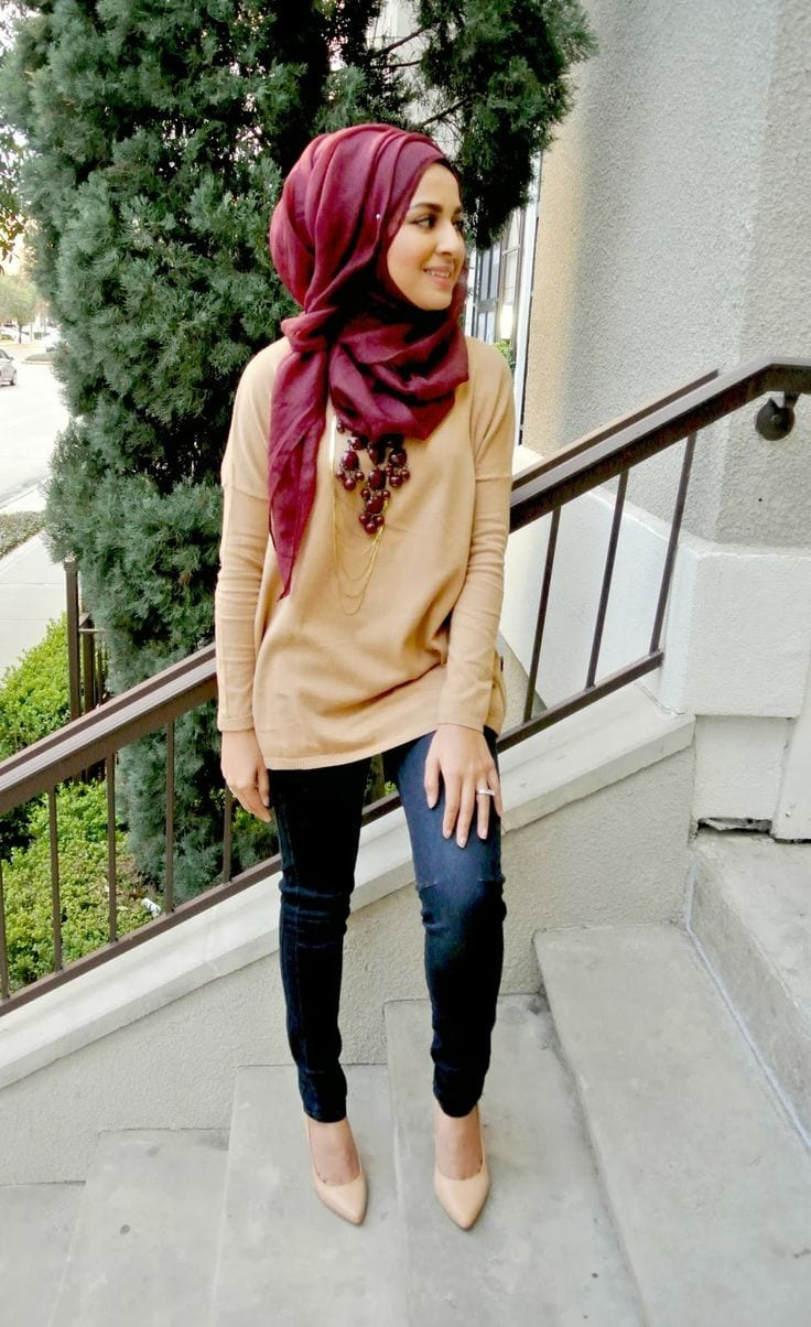 Hijab-with-Jeans 18 Cute Ways to Tie Hijab with Different Outfits