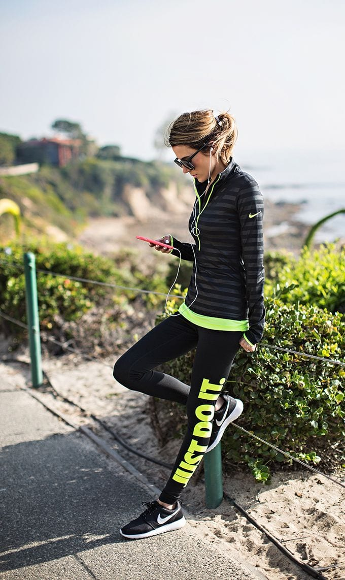 Nike-running-wear-women Winter Workout Outfits-15 Cute Winter Gym Outfits for Women