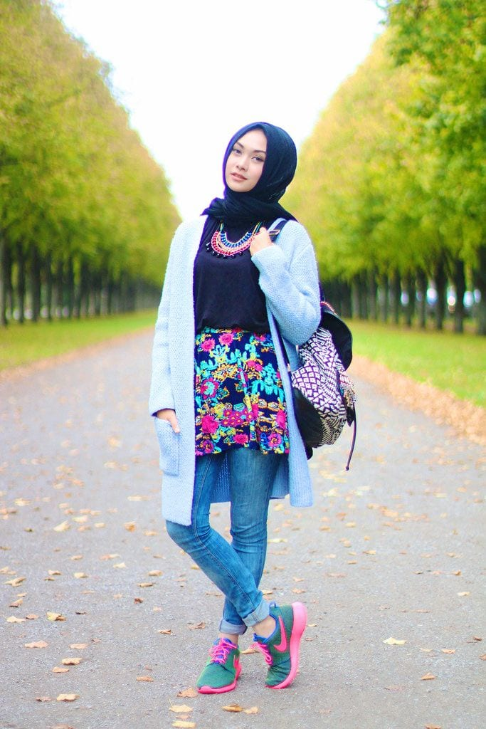 25 Western Outfits to Wear with Hijab for Gorgeous Look
