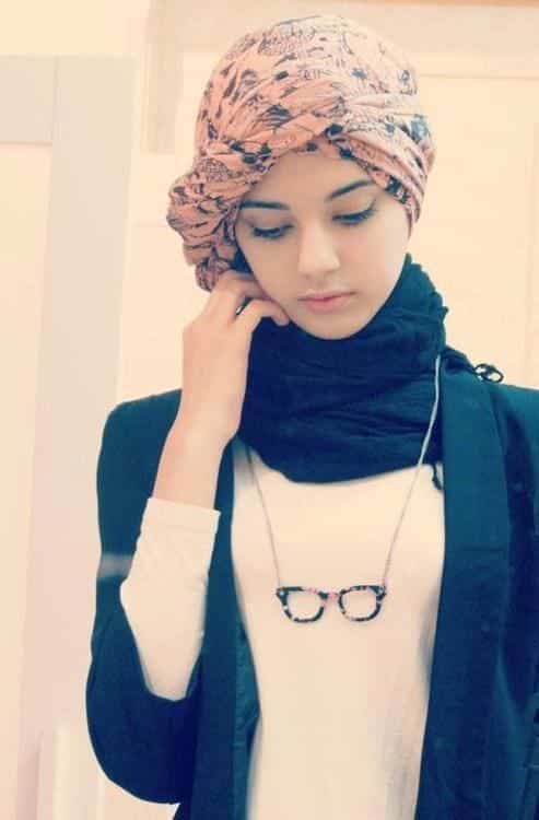 innocent-look-with-hijab 18 Cute Ways to Tie Hijab with Different Outfits