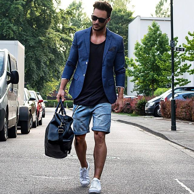 Insta-image-16 Cute Outfits for Skinny Guys - Styling Tips With New Trends