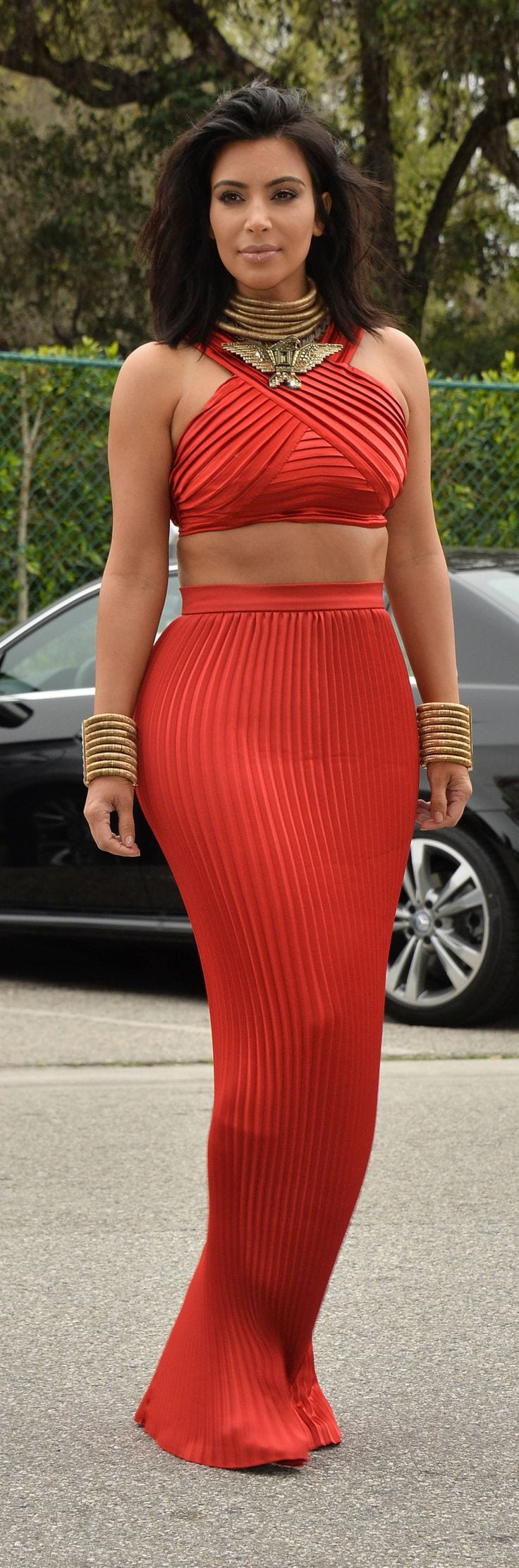 Kim-Kardashian-wearing-a-Balmain-ensemble 30 Most Stylish Kim kardashian's Outfits Rocking Social Media