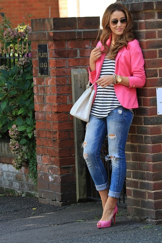 Pink-Jacket-with-Ripped-Jeans Cute Pink Outfits-20 Best Dressing Ideas with Pink Outfits