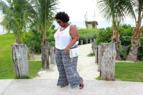 beach-outfit-500x334 20 Gorgeous Beachwear Outfits for Plus Size Ladies This Year