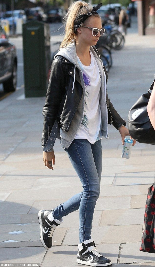 cara-sporty-look Women Sporty Style-30 Ways to Get a Fashionable Sporty Look