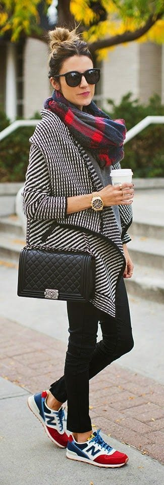 casual-street-style-cold-weather 25 Most Popular Winter Street Style Outfit Ideas for Women