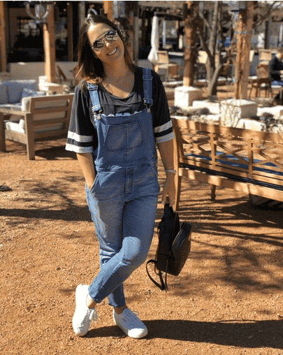 denim-overalls Women Sporty Style-30 Ways to Get a Fashionable Sporty Look