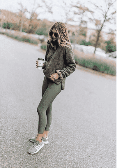 grey-fleace-upper Women Sporty Style-30 Ways to Get a Fashionable Sporty Look