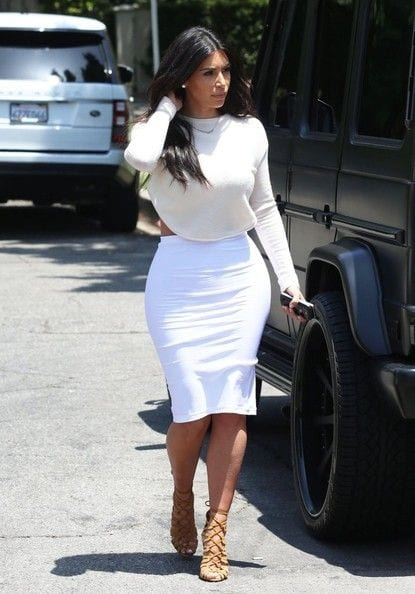 k4 30 Most Stylish Kim kardashian's Outfits Rocking Social Media
