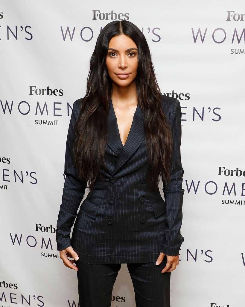kim-kardashians-iconic-looks-16-819x1024 30 Most Stylish Kim Kardashian Outfits - Style Transformation